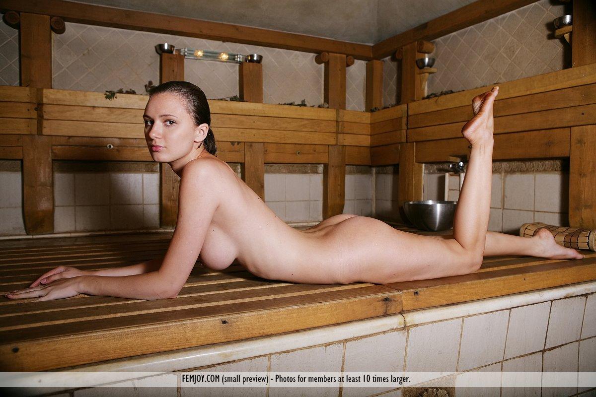 Эротикат в бане на ютубе 1 фотография