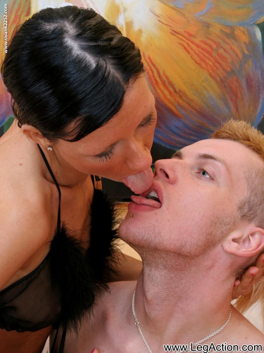 Проститутки полный фистинг анальный исполнителю 8 фотография