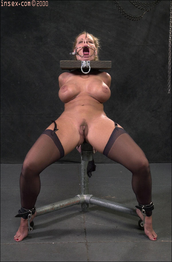 6 cuff bondage chair