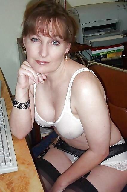 как женщины сосут член и кончают в рот порно фото
