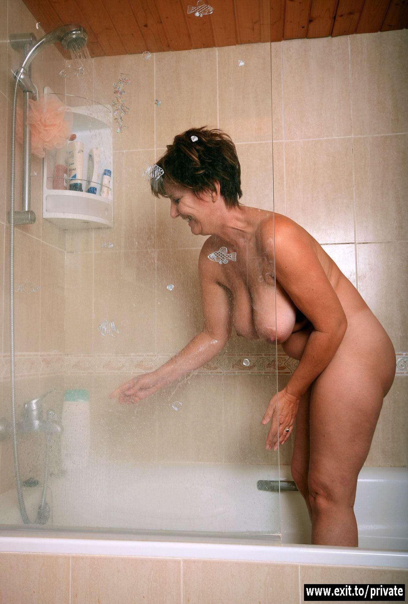 Смотреть красивое порно с тетей в душе 3 фотография