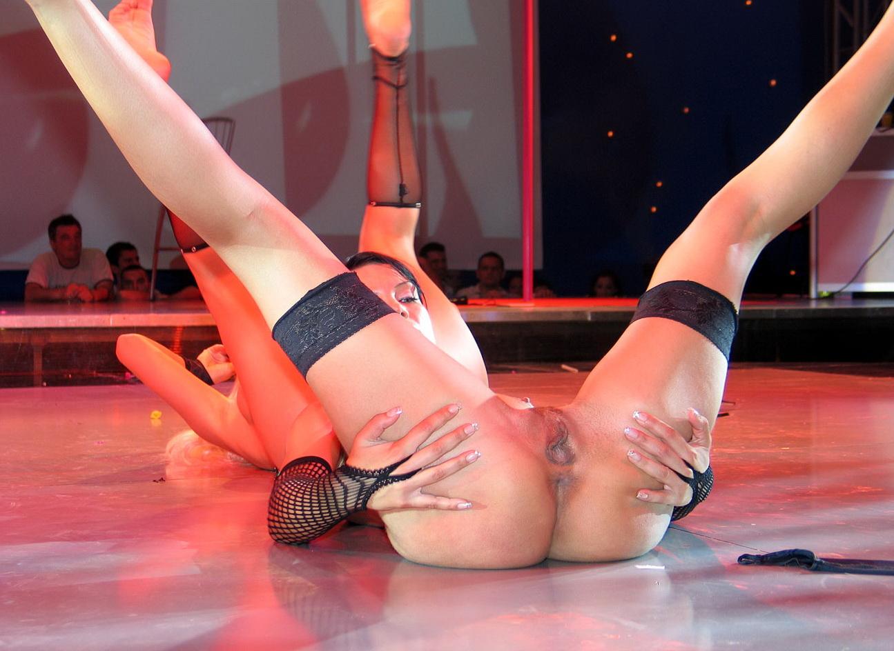 Секс шоу стриптизер 22 фотография