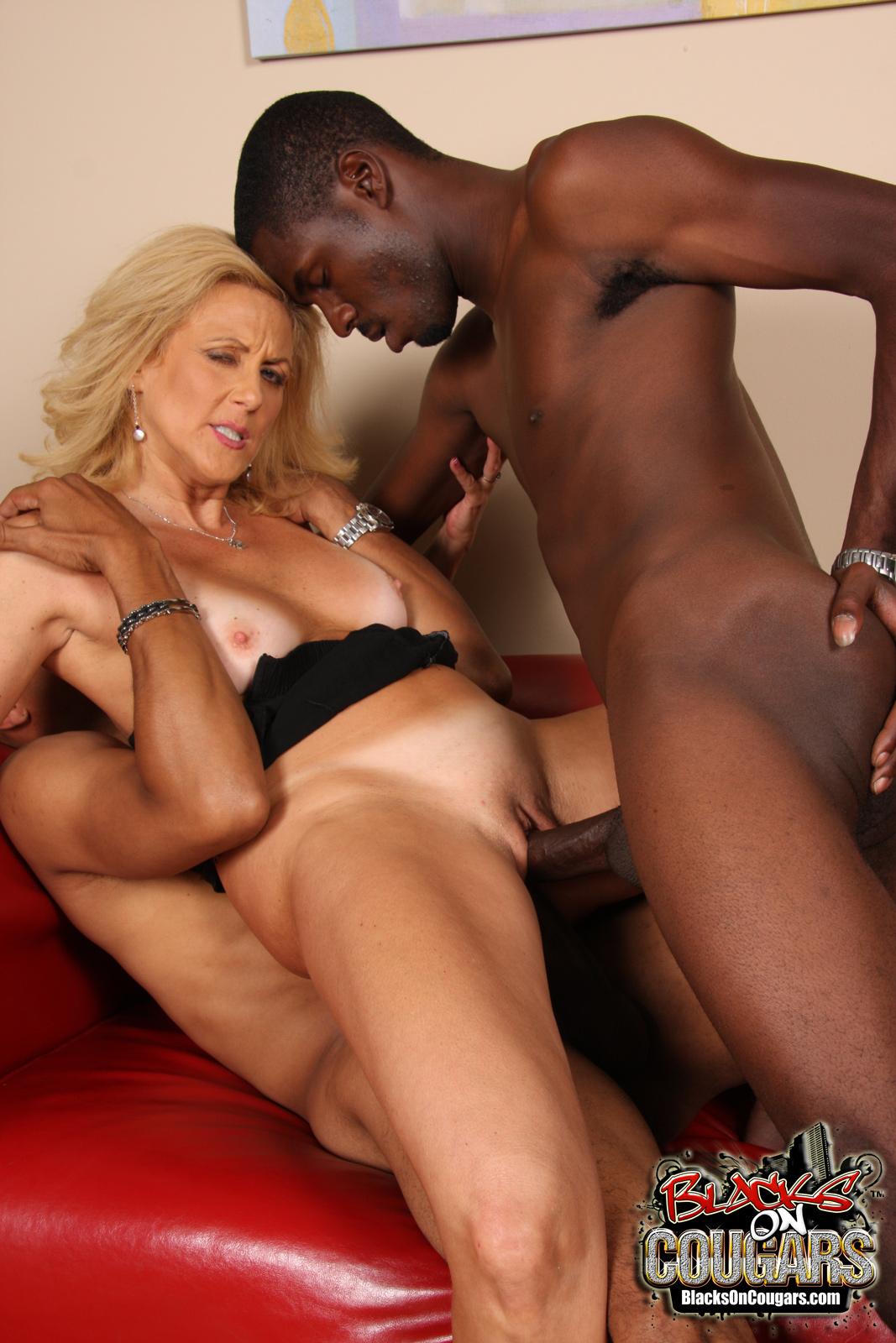 Фото секса с темнокожими 18 фотография