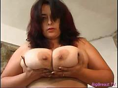 nasty-big-breasts-babe-squiz