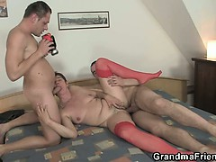 photosession-with-grandma-leads-to-threesome
