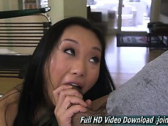 alina-li-girl-cute-face-hand-job