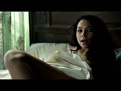 jessica-parker-kennedy-and-hannah-new-full-frontal-nudity