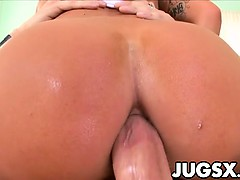Busty italian Kitty Bella gets anal