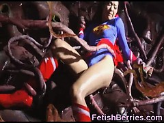 supergirl-prisoner-of-tentacles