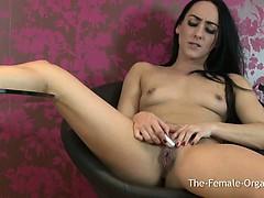 hot-coed-masturbates-her-huge-pussy-lips-to-orgasm