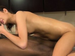 massage-whore-gets-licked