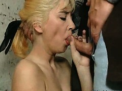 horny-blonde-mature-slut-is-naked-under-the-shower-and-her