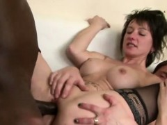 hot-mature-divorcee-black-anal-in-threesome