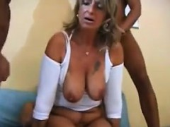 mature-woman-in-a-foursome
