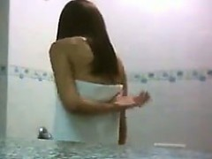 asian-girl-in-the-shower