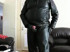 masturbating-in-leather