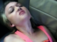 Hitchhiking blonde drilled in the car