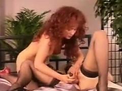 vintage-lesbians-having-fun