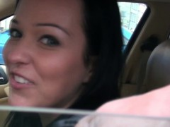 flashing-taxi-girl-offered-cash-for-sex