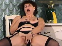 fat-russian-masturbating