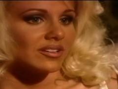 julia-ann-stripping-off