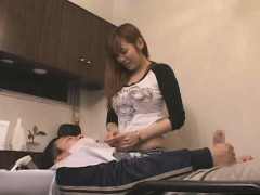 subtitled-busty-japanese-stylist-gives-client-a-handjob