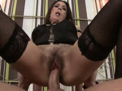 mature-slut-in-lingerie-doggystyle-drill