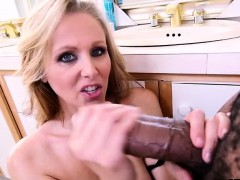 julia-ann-likes-big-black-cock