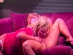 girlfriends-go-lesbian-in-vintage-scene