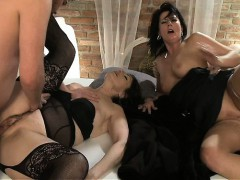 mom-brunette-milf-s-having-a-good-time