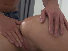 massage-delights-beauty-s-wet-crack