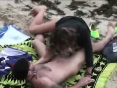 candid-footage-of-wild-nudist-amateurs