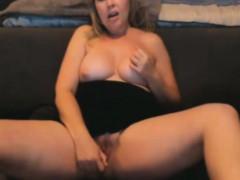 hot-blond-bbw-tyler-rey-masturbates-fat-pussy