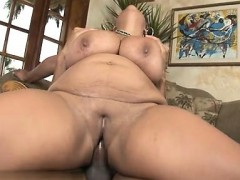 hot-cowgirl-eating-pussy