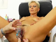 blondes-mama-gyno-plus-a-little-extra
