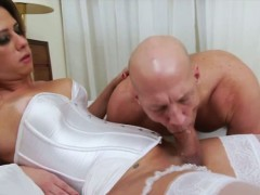 tranny-hottie-nicole-bahls-loves-fucking