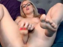 addictive-blonde-goddess-natia-big-pussy-lips