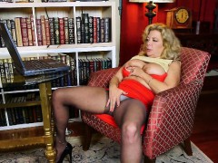 watching-porn-ignites-grandma-s-lust