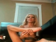 elastic-skinny-blonde-masturbates-squirting