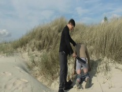 beach-boy-get-spanked