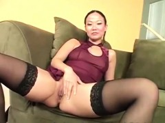 Asian hottie makes her holesbigger to be ready for her