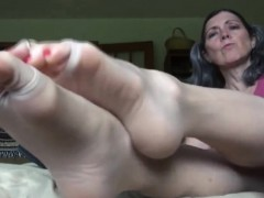 beautiful-granny-teases-her-feet-close-up