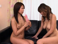 Jun Kusanagi Teaches Her Younger Partner Yuri Aine Some New