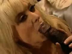 nina-hartley-gets-fucked-by-black-cock