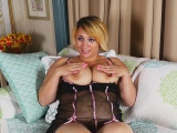Jewels Shows You Her Gigantic Natural Breasts