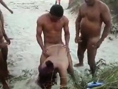 dogging-at-the-beach
