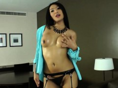 ladyboy-beauty-fanta-tasted-her-own-jizz-after-masturbation
