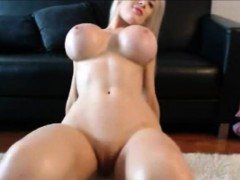 blondie-playing-with-enormeous-tits-and-pussy-on-webcam