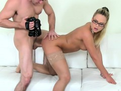 female-porn-agent-hires-by-pussylicking