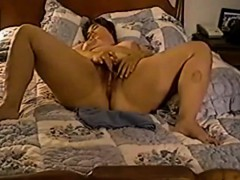 mature-bbw-milf-masturbates-live-on-bed
